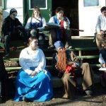 2006-11-november-144-more-socializing-outside-the-tavern